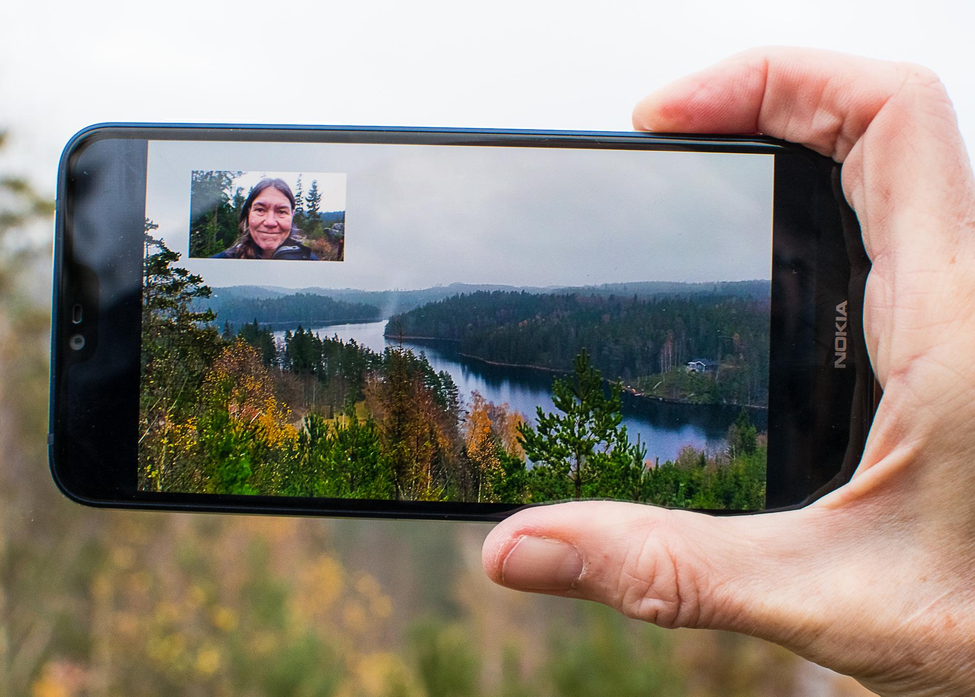 Modern mobil med ringsignal vi känner igen